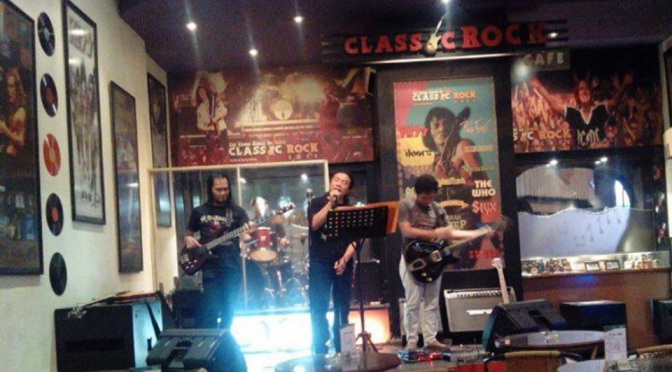 John martono Blues performance , at Classic rock Braga Bandung